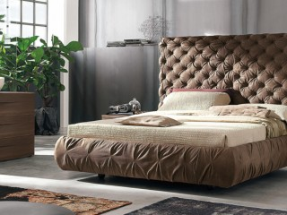 Двоспальне ліжко з оббивкою Chantal alto