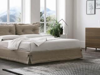 Двуспальная кровать с обивкой Amami